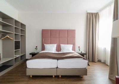 Hotel-Goldener-Fisch-Zimmer-009